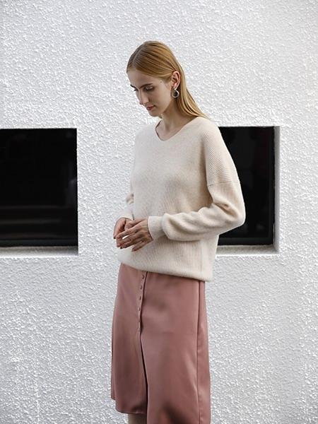 女士圆领羊绒衫W2020-06