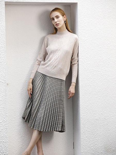 女士圆领羊绒衫W2020-03